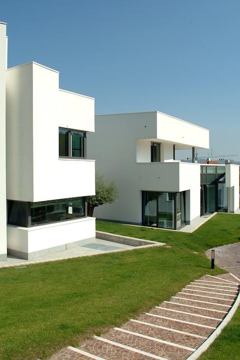 Casa farfalla edificio residenziale unifamiliare for Piccoli piani casa del sud del cottage