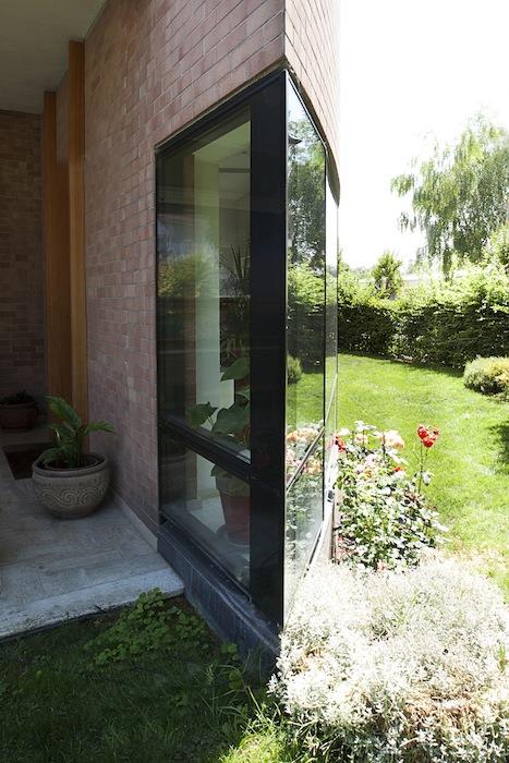 Casa_vela_spigolo_vetro