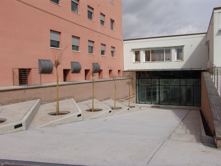 Altavilla_sala_conferenze_ingresso