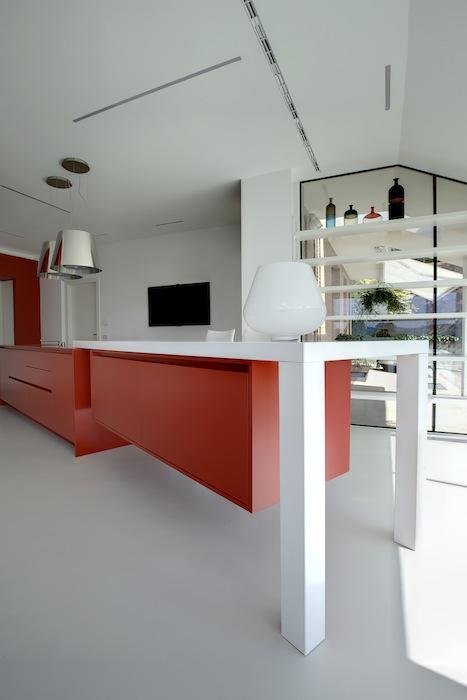 Cucina_inerno_rosso_bianco